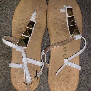 Never worn vionic sandal